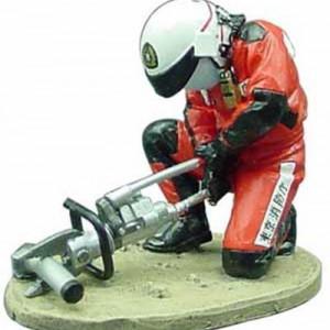 MAGAZINE MODELS 1:32 - MOTOBIKER - FIREDRESS - JAWS OF LIFE TOKYO-JAPAN-2004