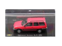 MAGAZINE MODELS 1:43 - CHEVROLET IPANEMA SL/E 1992, RED