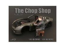 AMERICAN DIORAMA 1:18 - CHOP SHOP SET MR. LUGNUT FIGURE