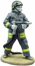 MAGAZINE MODELS 1:32 - FIREMAN - INTERVENTION DRESS - ITALY 2004