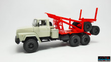 MAGAZINE MODELS 1:43 - KRAZ 260L, LIGHT GREY/RED TIMBER TRANSPORTATION WITHOUT LOAD