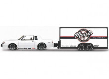 MAISTO 1:64 - BUICK REGAL 1987 WITH T-TYPE CAR TRAILER, WHITE/BLACK/RED