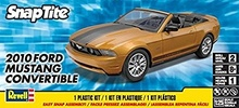 REVELL US 1:25 - FORD MUSTANG CONVERTIBLE 2010, SNAP TITE PLASTIC MODELKIT (NO GLUE AND PAINT).