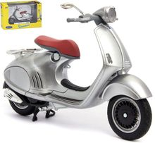 WELLY 1:18 - VESPA 946 2014, SILVER