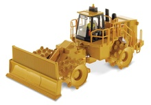 DIECAST MASTERS 1:50 - Cat 836H Landfill Compactor