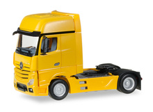 HERPA 1:87 - Mercedes-Benz Actros Gigaspace rigid tractor, traffic yellow