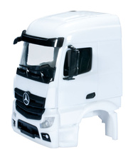 HERPA 1:87 - Mercedes-Benz Actros Streamspace 2.3 driver's cabin without side skirting Content: 2 pcs.
