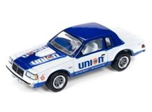 JOHNNY LIGHTNING 1:64 - BUICK REGAL T-TYPE 1986 *UNION 76*, GLOSS WHITE & BLUE WITH UNION 76 GRAPHICS