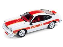JOHNNY LIGHTNING 1:64 - FORD MUSTANG COBRA II 1978, WHITE/RED (MC017)