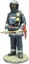 MAGAZINE MODELS 1:32 - FIREMAN - MADRID - FIREDRESS SPAIN - 2003
