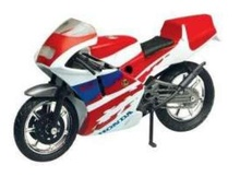MOTOR MAX 1:18 - HONDA NSR250, RED/WHITE/BLUE