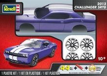 REVELL US 1:25 - DODGE CHALLENGER SRT8 PRE-DECORATED BODY 2013, PLASTIC MODELKIT