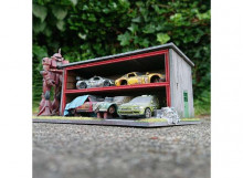 SJO-CAL 1:64 - TOKYO STORAGE DIORAMA. GOOD FOR 4 OR 5 1/64 (3INCH) MODELS, WOODEN MODELKIT
