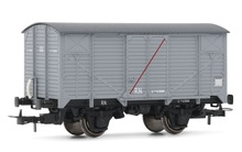 Electrotren HO (1:87) - R.N., 'Unificados', closed wagon, light gr ey with red transversal stripe 'vag?n aisl