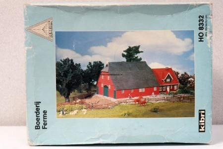 KIBRI 8332 Nederlandse boerderij Uitloop DOOS BESCHADIGD!!
