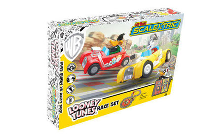 SCALEXTRIC 1140 MY FIRST SCALEXTRIC LOONEY TUNES MAINS POWERED (4/19) *