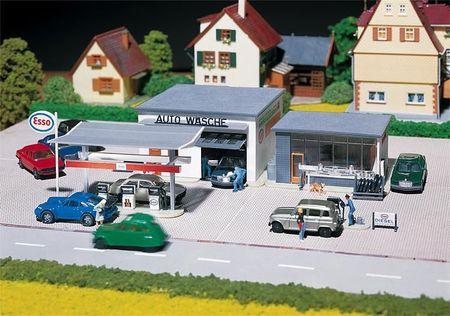 FALLER 130296 POMPSTATION MET AUTOWASSERIJ