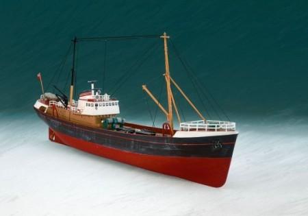REVELL 05204 Schepen- Civiel Noordzee trawler 1:142