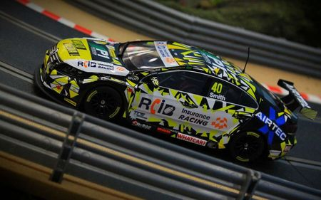 SCALEXTRIC 3864 BTCC VW PASSAT ARON SMITH