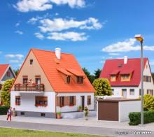 KIBRI 38748 H0 Einfamilienhaus mit Terras