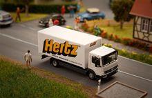 FALLER 161560 VRACHTWAGEN MB ATEGO HERTZ (HERPA)
