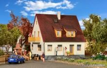 KIBRI 38710 H0 Einfamilienhaus Lindenstra