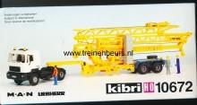 KIBRI 10672 U Auto met oplergger met bouwkraan