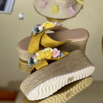 Papuci Flora Galbeni