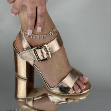 Sandale Cu Toc Jonei Aurii