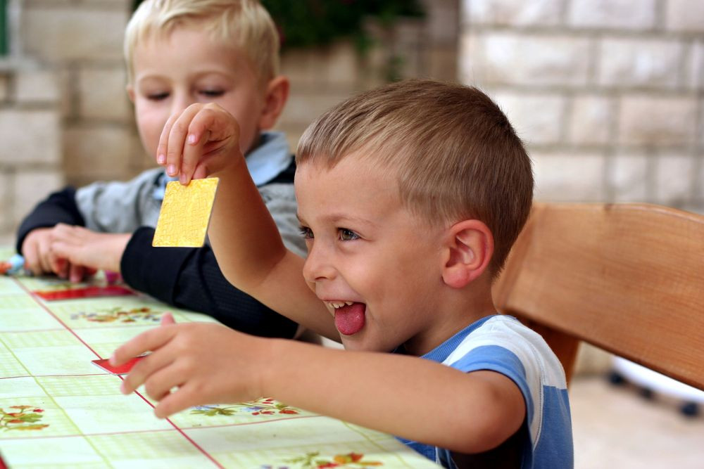 Activități distractive și educative pentru copiii cu vârsta de peste 3 ani
