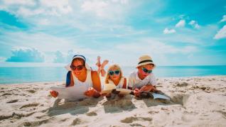Cărți de citit la plajă pentru întreaga familie
