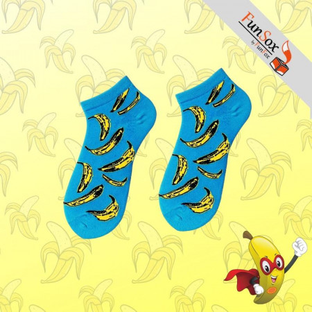 sosete colorate albastre cu banane galbene