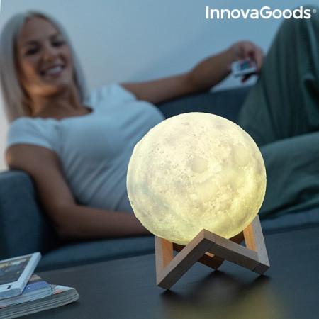 lampa led in forma de luna cu suport din lemn