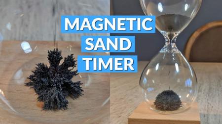 clepsidra magnetica pe suport de lemn 3