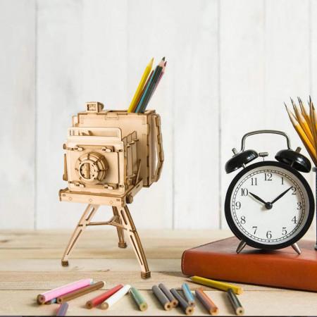 Puzzle 3D din lemn Vintage Camera cu creioane