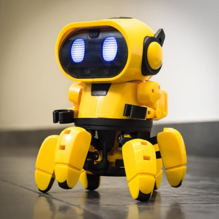 Tobbie prietenul tau robot galben