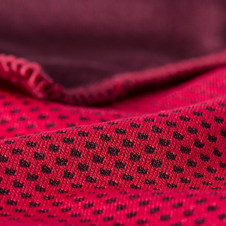 detaliu Prosop rosu cu efect de racire