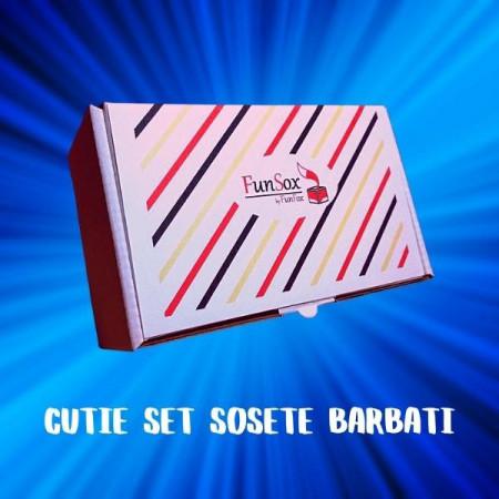 cutie de sosete colorate pentru barbati