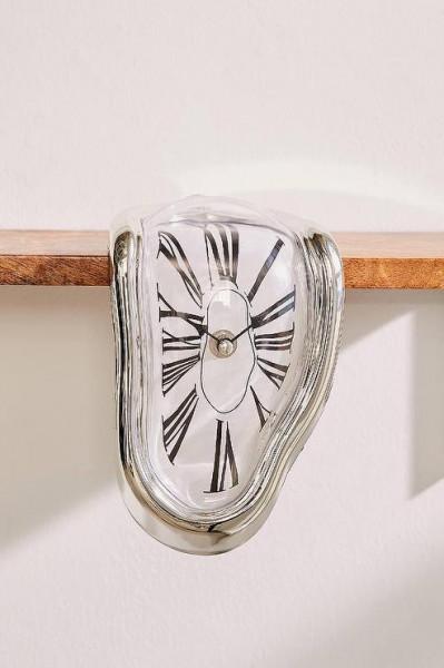 ceas care se topeste Dali