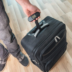 Cantar electronic pentru bagaj
