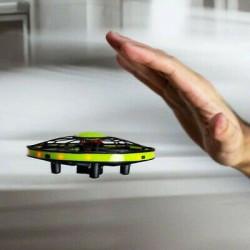 Drona controlata prin senzori de miscare