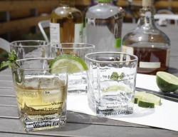 Set 4 pahare cocktail cu retete pe masa