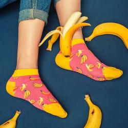 sosete colorate roz galben cu banane