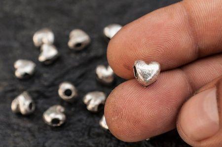 Мъниста с формата на сърце