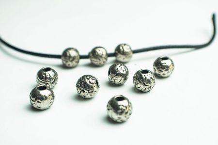 Мъниста-топки в сребърен цвят