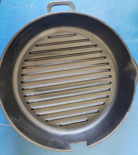 Tigaie-grill fonta rotunda 28cm cu manerul rupt