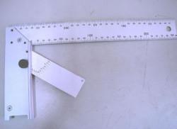Womax lenjir vinkla sa uglomerom 250mm ( 0571877 )