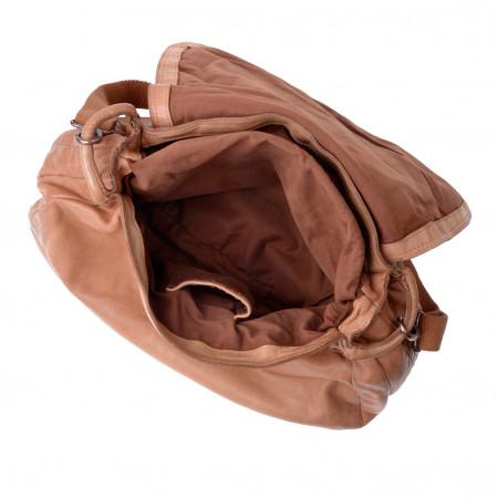 Borsa tracolla lavata grande di pelle tinta in capo con patta DUDU