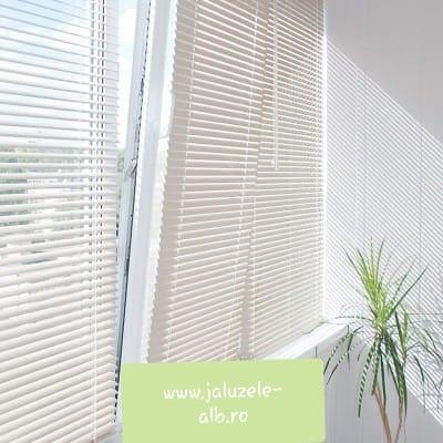 jaluzele orizontale pvc/alb 55 cm x 100cm