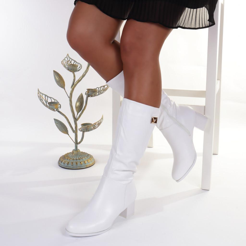 Cizme albe cambrate pe picior imblanite Orlanda